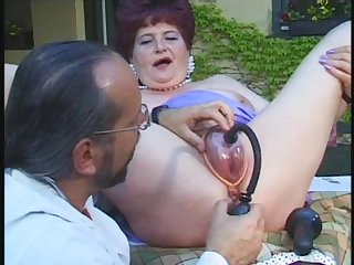 Kinky doctor wants concerning examine a horny mature woman's cunt