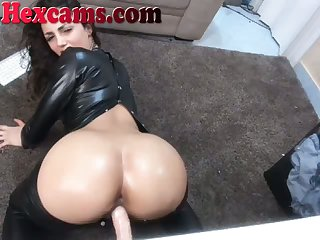 Webcam Floosie Beside Leather Rides Dildo