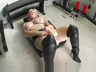 Depraved slattern Mary Bitch takes massive dildo