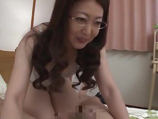 Nerdy amateur adult Japanese MILF gets her hairy pussy creampied