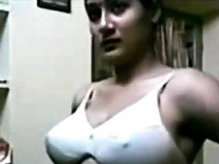 Indian Beautiful Women Showing Boobs!!