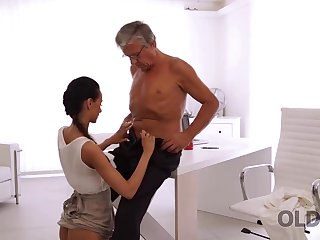 Incredible old and young sex happened right in along to office