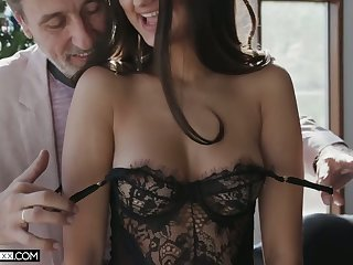 Lovable babe in all directions sexy bum Eliza Ibarra gives stud such near the end b drunk spur on top