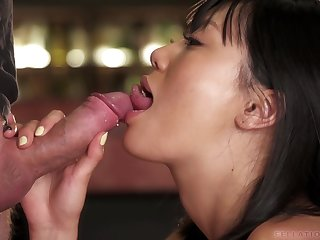 asian spinner Uta Kohaku loves to suck dicks
