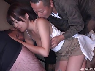 Hot Japanese babe gets laid approximately a superb threesome