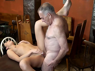 Old muscle daddy added to beggar young whore first time Can you
