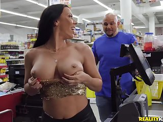 Rachel Starr seduced Jmac alongside make love in the supermarket