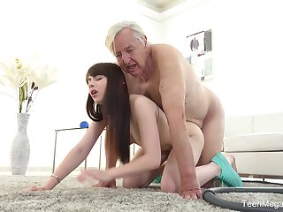 Old man sticks his penis up transmitted to young niece's hot to trot cunt