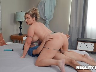 Voluptuous wife rides step little one like it's the end of the world