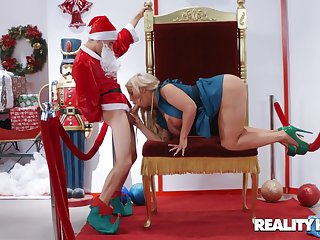 Studly Santa gives big-boobed prostitute Alura Jenson exactly what she wanted