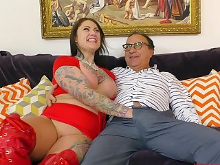 Tattooed glamour model Tallulah having sex on the surprise and moaning