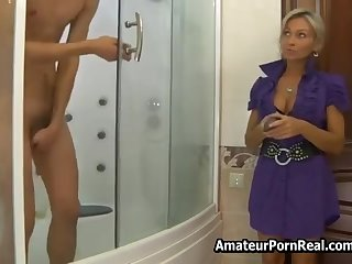Russian Hot Milf Asks Man In Shower Be expeditious for Sex