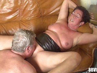 Dirty amateur granny loves having sex in the matter of her horny plc