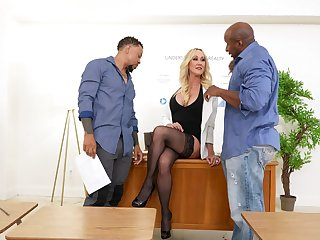 Mature blonde dazzles once the black dudes galvanize pumping her