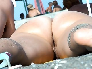 Grown up Nude Beach Voyeur Milf Dilettante Close Up Pussy